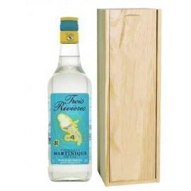 Rhum blanc agricole Martinique avec la caisse bois personnalisée